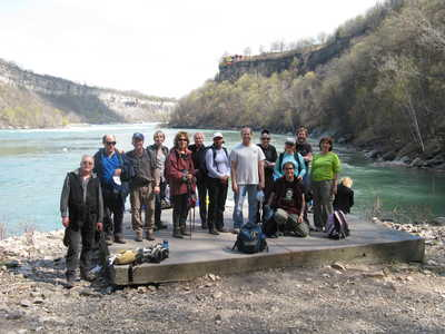 [Hikers at Niagara Gorge by Alan Backlund]
